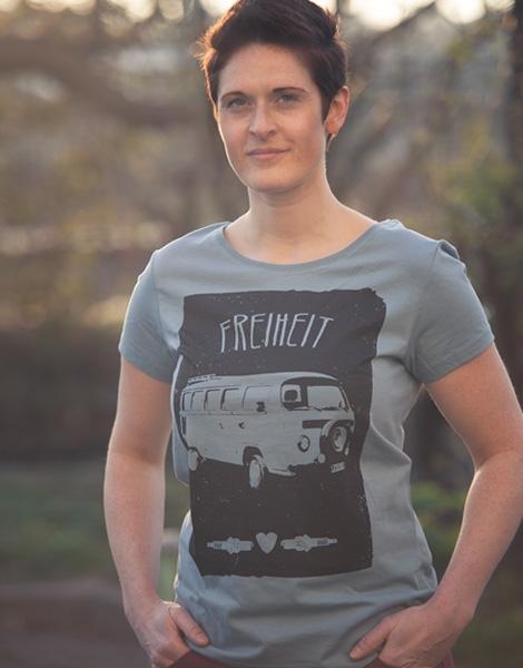 Freiheit - Fair Wear Frauen T-Shirt - Citadel Blue